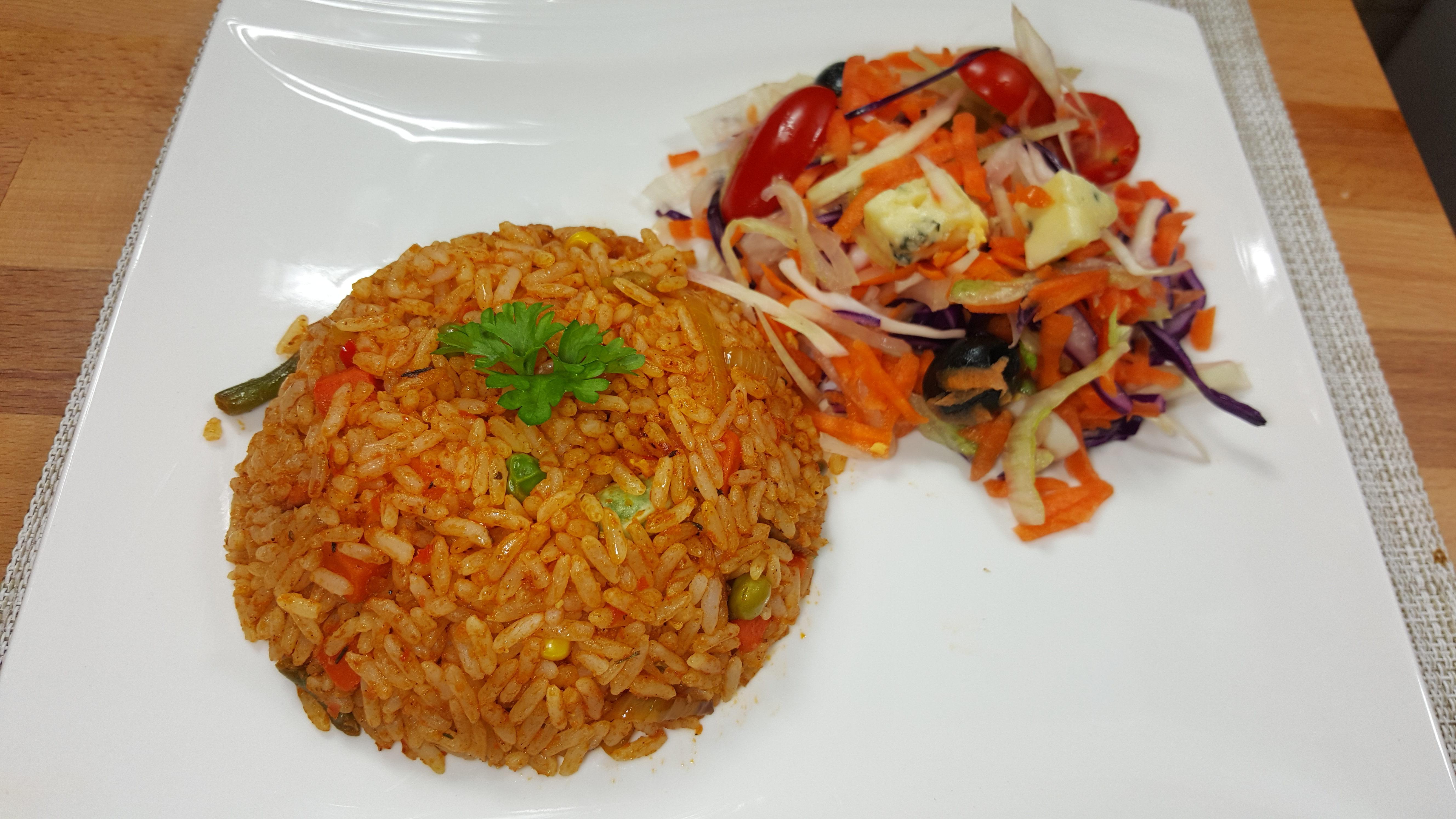 Nigerian jollof rice made quick and easy african pot jollof rice and salad ccuart Choice Image